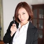 HITOMI 美痴女〜美乳熟女の淫靡な誘い