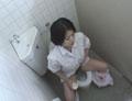素人 給食センターで働くおばちゃんの尿検査採取盗撮映像4