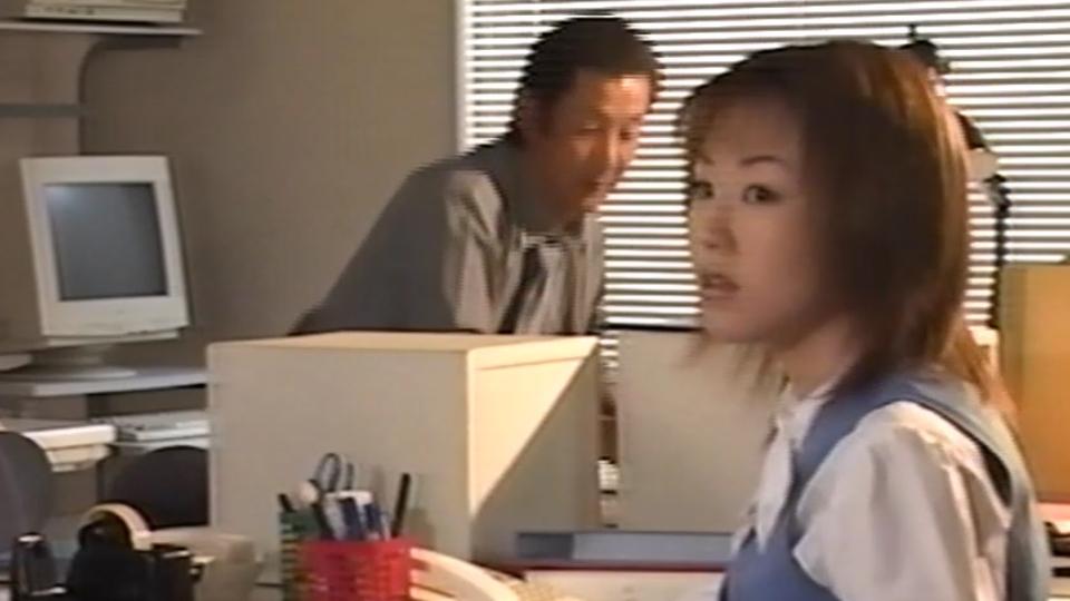 小森詩 - VHS時代のストリーAV!会社名で回されるOL!借金地獄に落とし込められ行く末は? エロAV動画 Hey動画サンプル無修正動画
